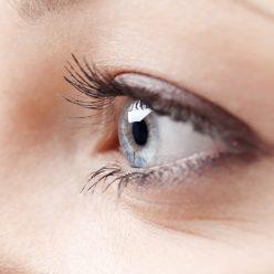 Soin contour des yeux : les produits naturels à utiliser